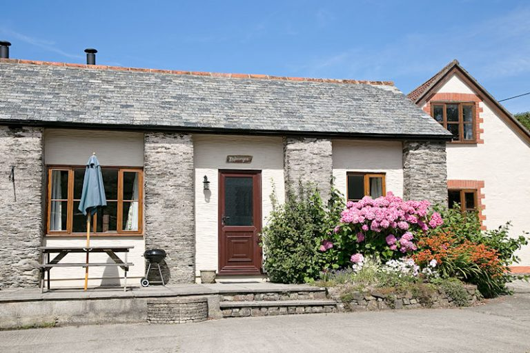 Hydrangea single storey cottage